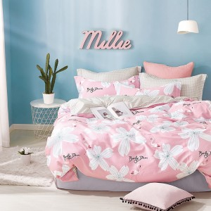 Oboustranné růžové povlečení do ložnice s bílými květy a plameňáky