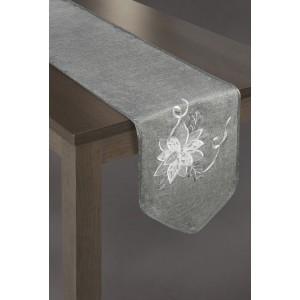 Tmavě šedý běhoun na stůl s originální bílou výšivkou květu