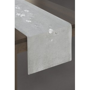 Stříbrný šál na stůl široký 33cm na Vánoce s bílými sněhovými vločkami