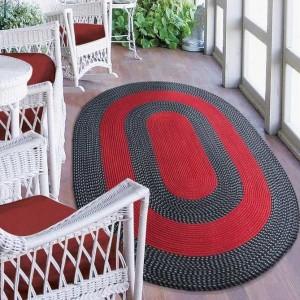 Kvalitní červený koberec ovál