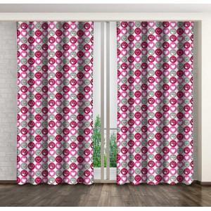 Romantické závěsy do ložnice s šedými a růžovými srdíčky