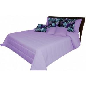 Světle fialový přehoz na postel