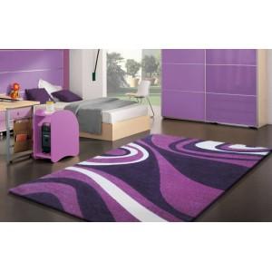Velký koberec fialové barvy s vlnkami