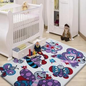 Měkký krémový koberec do dětského pokojíčku