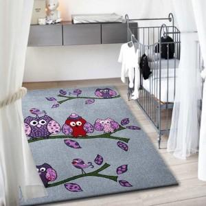 Roztomilý šedý koberec sovičky