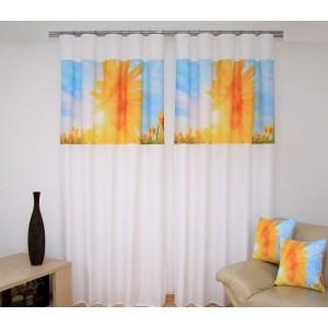 Závěsy na okna bílé barvy s motivem slunečnic