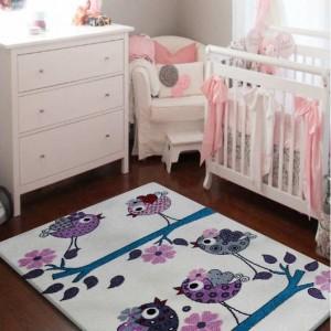 Krásný koberec s ptáčky do dětského pokoje