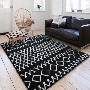 Kvalitní koberec černo bílé barvy