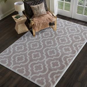 Skandinávský koberec béžový s moderním vzorem