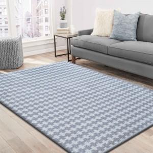 Kusový koberec v moderním designu šedé barvy
