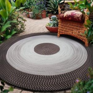 Kusový koberec hnědý kruhového tvaru