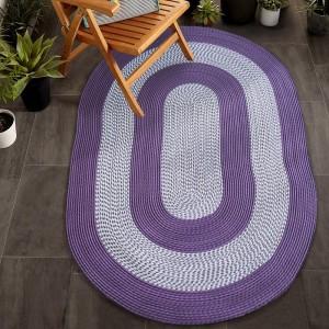 Kvalitní koberec fialové barvy