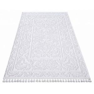 Kvalitní koberec bílý se střapci