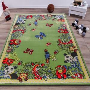 Originální zelený koberec s motivem zvířat