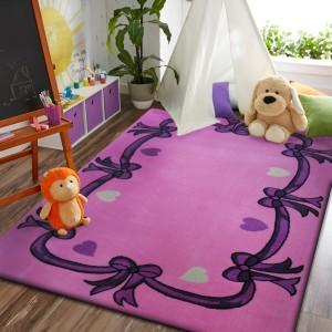Růžový koberec s mašličkami pro dívky