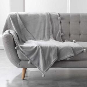 Světle šedá měkká deka s kuličkami POMPOM