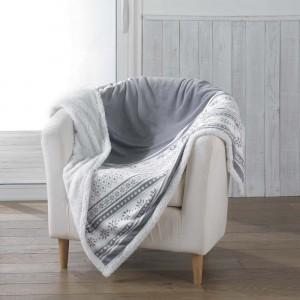 Šedá hřejivá deka se zimním motivem FINLAND