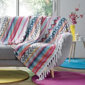 Kvalitní barevná deka s třásněmi na okraji HOMEA