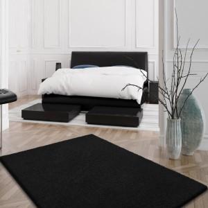 Černý SHAGGY koberec s dlouhým vlasem