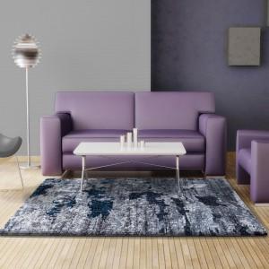 Moderní kusový koberec v šedé barvě
