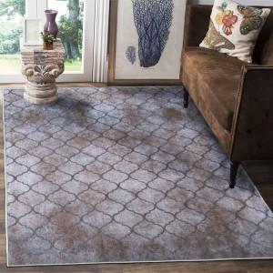 Béžovo hnědý koberec s ornamentem