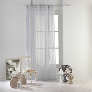 Kusová záclona šedé barvy v moderním designu NUAGE