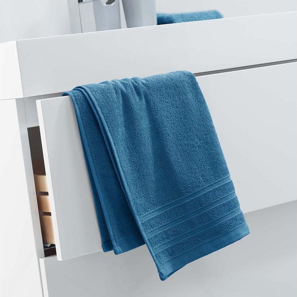 Savý ručník z měkké bavlny v modré barvě 50 x 90 cm