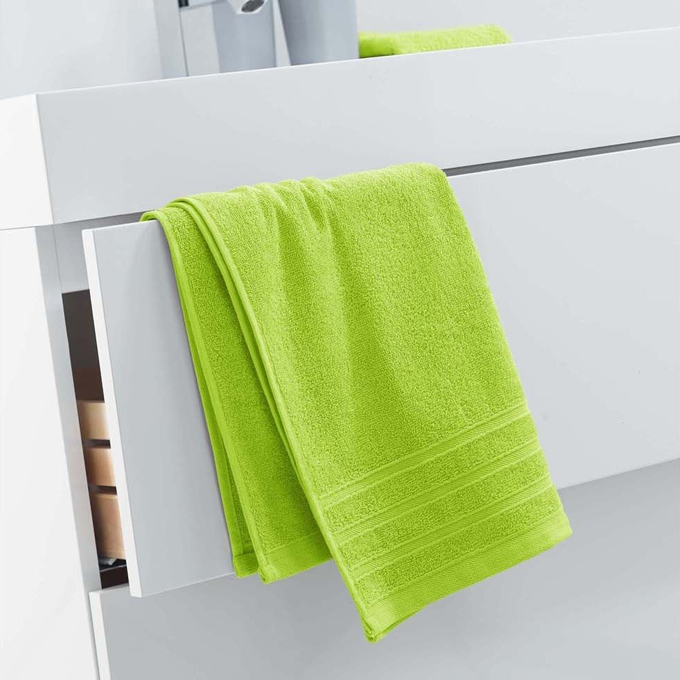 Trendový ručník jasné zelené barvy 50 x 90 cm