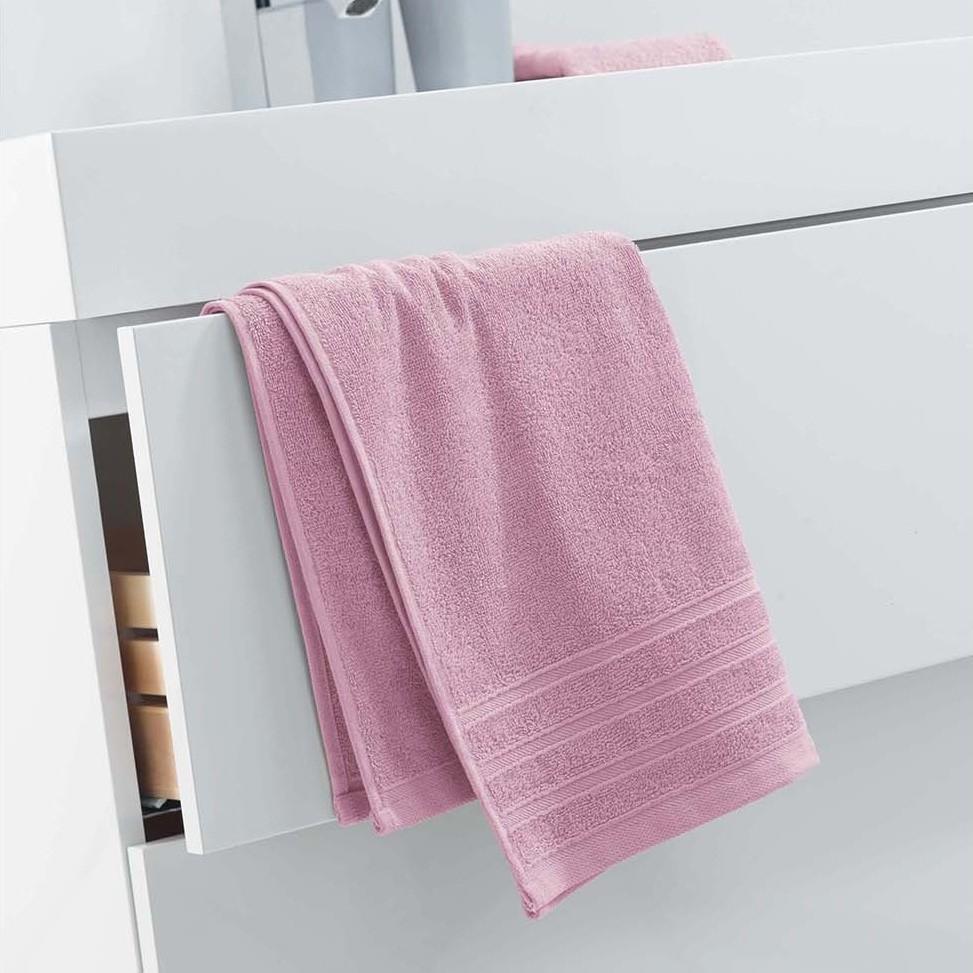 Luxusní světle růžový ručník z měkké bavlny 50 x 90 cm