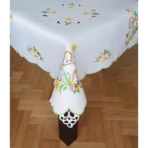 Vyšívaný Velikonoční ubrus s motivem beránka