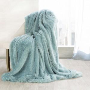 Luxusní chlupatá deka mátově zelené barvy