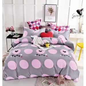 Šedé povlečení na postel s růžovými kuličkami