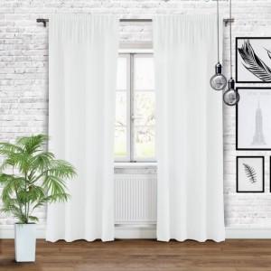 Bílé neprůhledné závěsy do ložnice