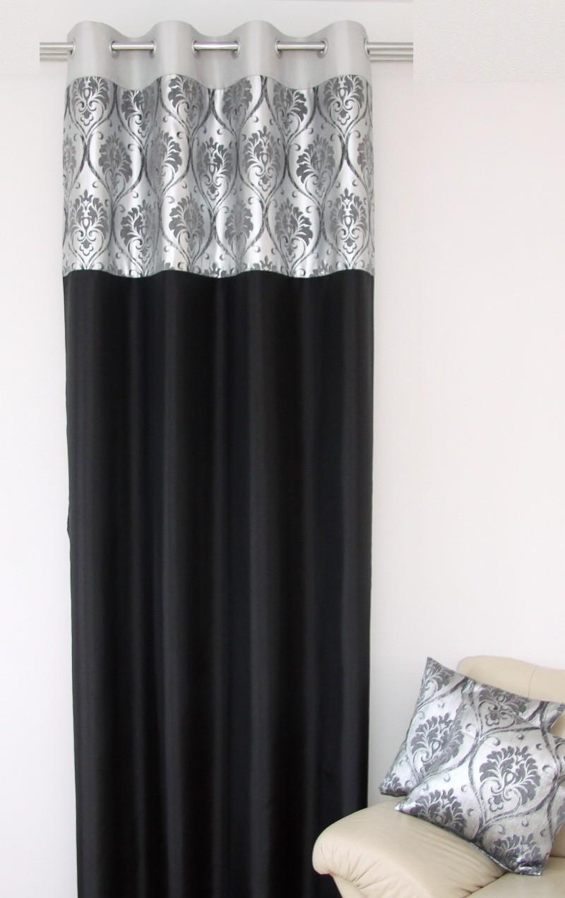 Černo stříbrný závěs s jednoduchým motivem