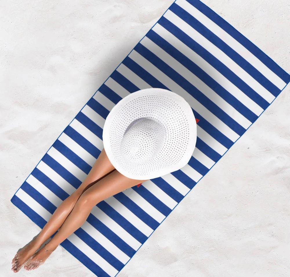 Modrá plážová osuška