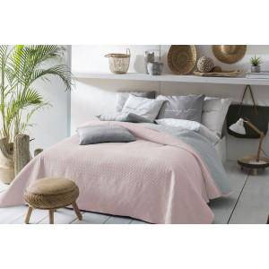 Oboustranný přehoz na postel světle růžové barvy