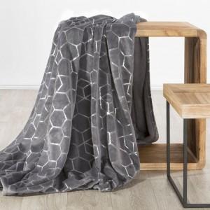 Ocelově šedá teplá deka s módním stříbrným geometrickým tvarem