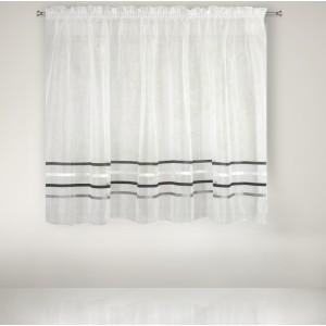 Krátká nařasená záclona s ozdobnými dekorativními šedými pruhy