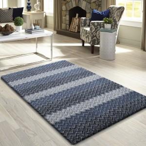 Jednoduchý koberec do ložnice