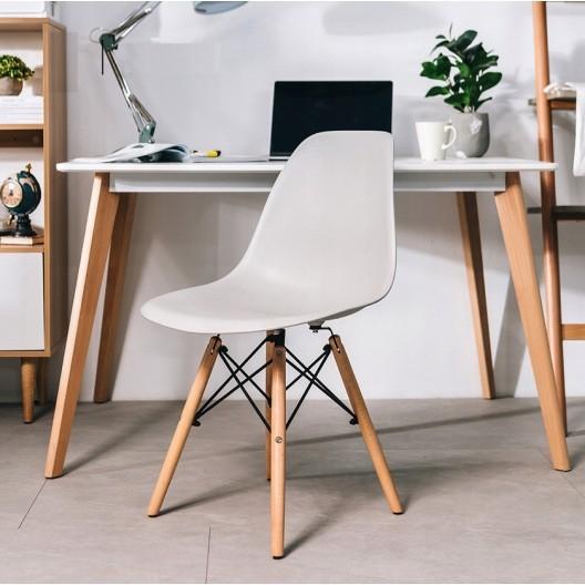 Moderní židle v šedé barvě do kuchyně