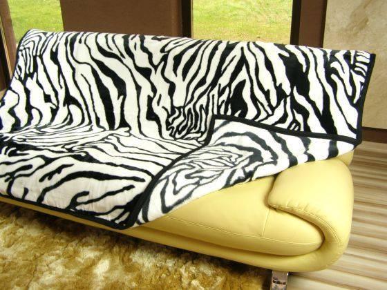 Hřejivé teplé luxusní deky z akrylu zebrové barvy