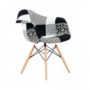 Stylová interiérová židle s čalouněním ve stylu patchwork