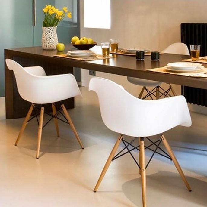 Luxusní bílá designová židle do jídelny