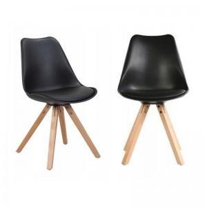 Černá pohodlná židle do moderního interiéru