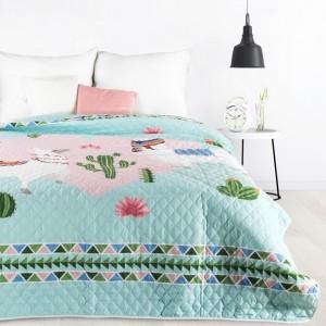 Pestrobarevný přehoz na postel s dětským motivem