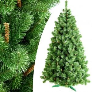 Zelený vánoční stromek s malými hnědými větvičkami