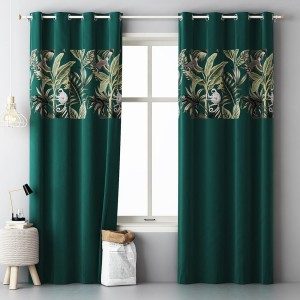 Tmavě zelené exotické závěsy do obýváku