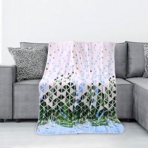 Bílá deka s motivem zelených listů