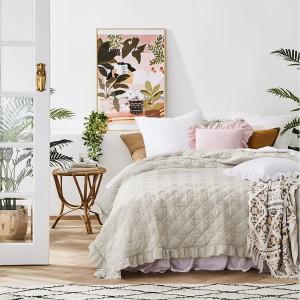 Luxusní francouzský přehoz na postel béžové barvy