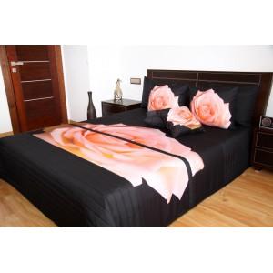 Černý přehoz na postel s motivem růžové růže
